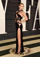 Gigi-Hadid--2015-Vanity-Fair-Oscar-Party--02