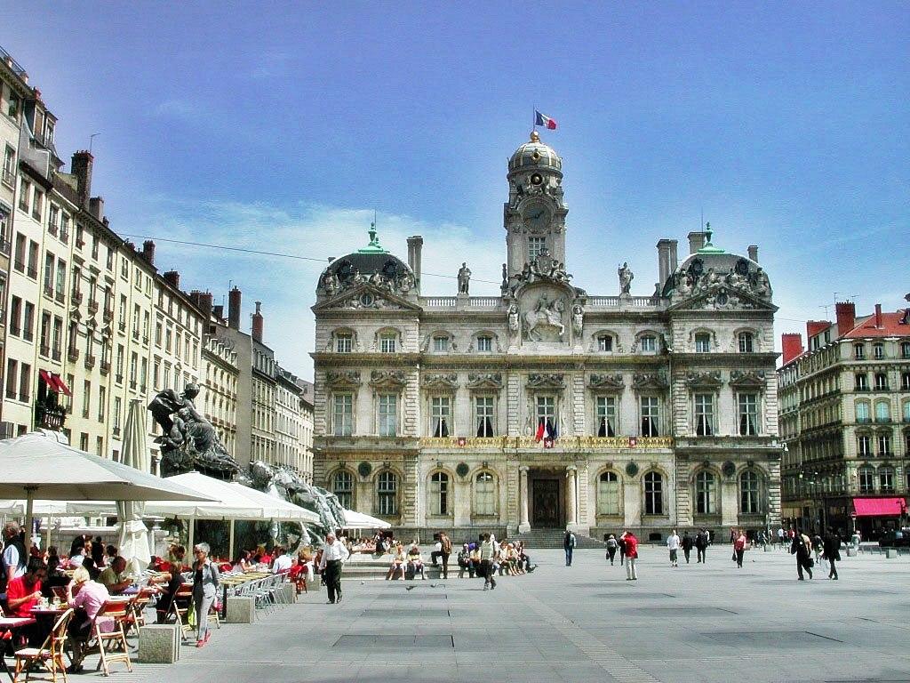 Lyon city centre la elegantia - Centre financier la poste lyon ...